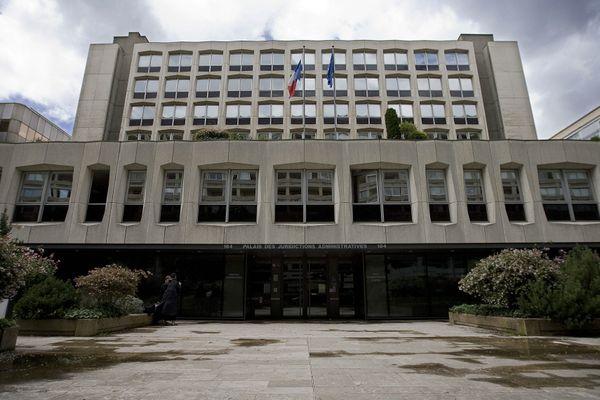 Le Tribunal administratif de Lyon a rejeté la demande formulée par l'association Cimade, le Groupe d'information et de soutien des immigrés (Gisti), le Syndicat des avocats de France, la Ligue des droits de l'Homme et l'Association des avocats pour la défense des droits des étrangers.