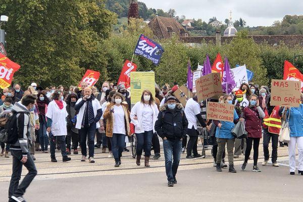 Soignants de l'hôpital Minjoz, de Saint-Jacques, des M.A.S des Tilleroyes ou de Novillars, de Bellevaux : 150 manifestants se sont rassemblés