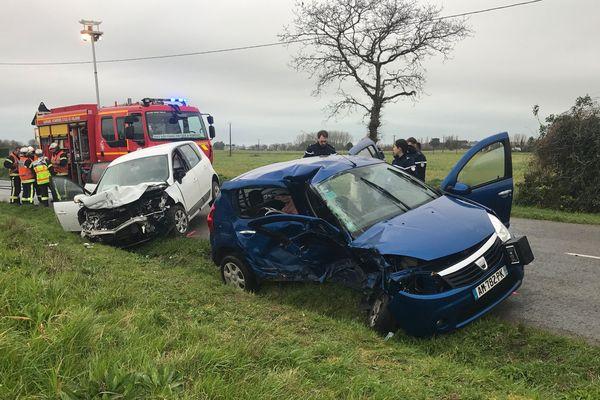 Cinq personnes ont été blessées lors de la collision à Saint-Méloir-des-Ondes