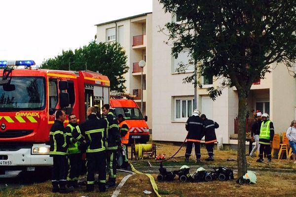UN blessé grave et onze blessés légers dans un incendie en Mayenne