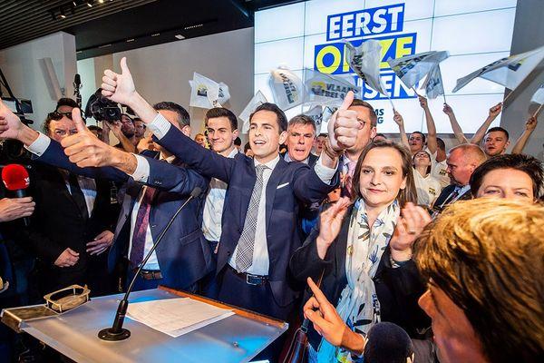 Tom Van Grieken, leader du Vlaams Belang, fête sa victoire à Londerzeel, le 26 mai 2019