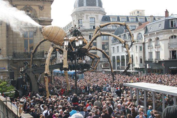 Il y a dix ans, il y avait du monde, dans les rues de Reims, pour l'inauguration du tramway.