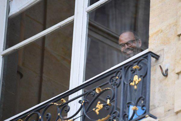 """Edouard Philippe et ses conseillers """"délocalisent"""" Matignon pour quelques jours."""