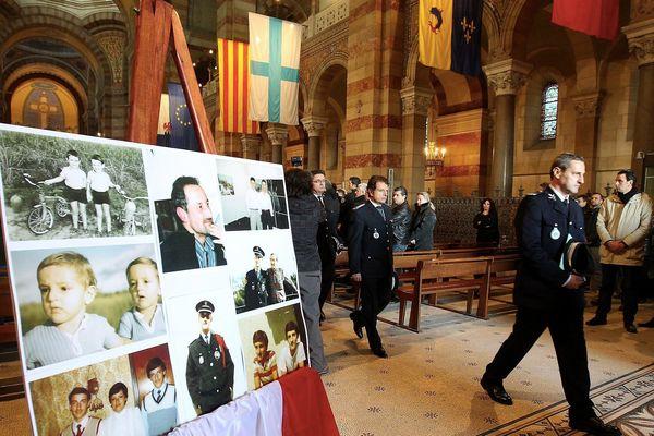 Messe en mémoire de Frank Brinsolaro le 23 janvier 2015 à la Cathedrale de la Majore à Marseille. En présence de la famille et de son frère Jumeau Philippe, également policier, à droite sur la photo.