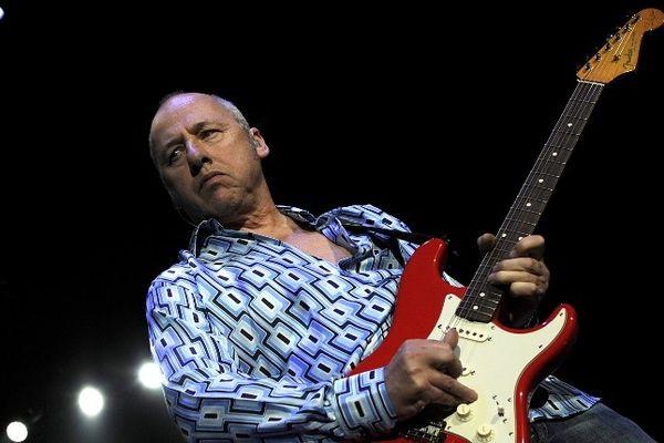 Mark Knopfler, le leader emblématique du groupe Dire Straits, photographié le 2 avril 2008 à Barcelone (Espagne), sera en concert au Zénith d'Auvergne à Clermont-Ferrand le 29 juin 2013