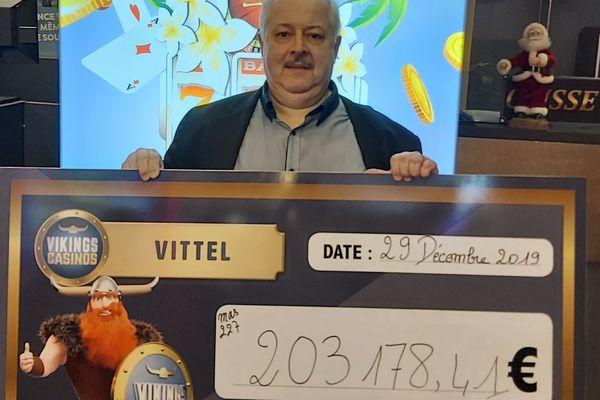 """""""200 000 euros, c'est une belle somme. C'est exceptionnel, ce ne sont pas des gains qu'on paye tous les jours !"""" Marc Mermaz-Rollet, directeur général délégué du Casino Vikings de Vittel"""