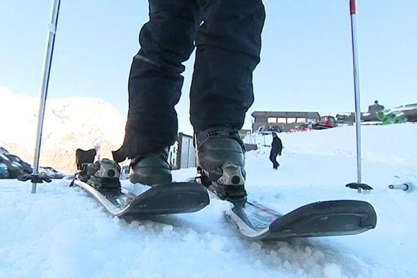 A Cauterets dans les Hautes-Pyrénées, les vacanciers étaient pressés de chausser les skis.