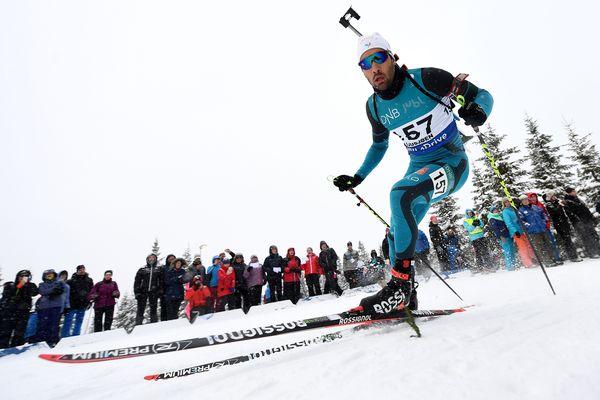 Martin Fourcade a confirmé dimanche sa montée en puissance à une semaine de l'ouverture de la Coupe du monde de biathlon.
