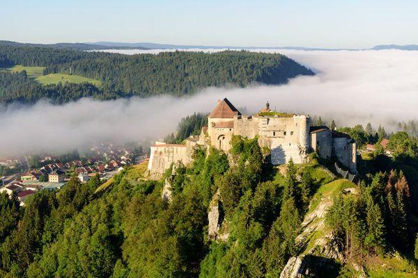 Le château de Joux près de Pontarlier (Doubs)