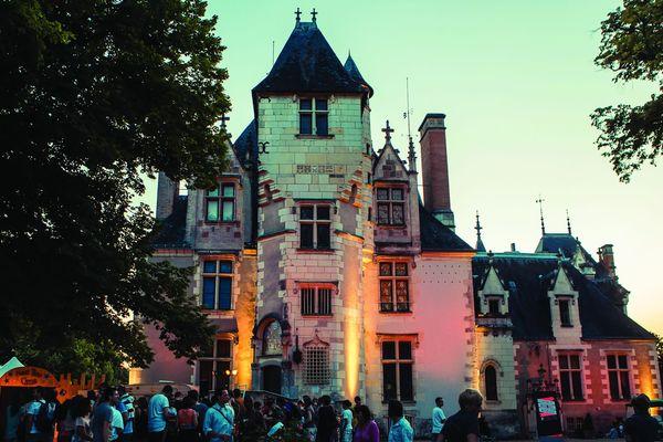 Le château de Candé à la tombée du jour pendant le festival Terres du Son 2016