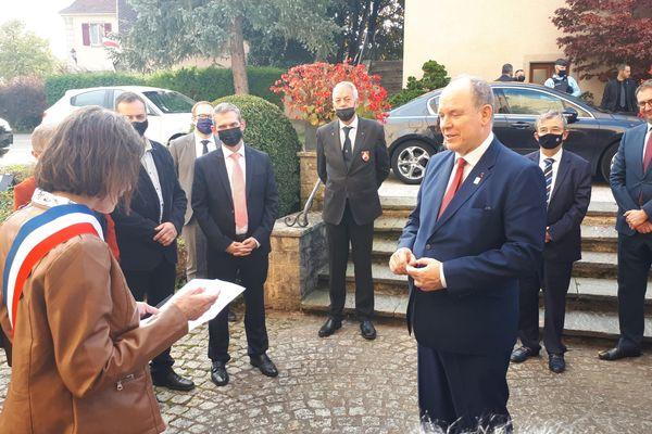 Le prince de Monaco, Albert II, en visite à Ferrette, dans le Haut-Rhin.