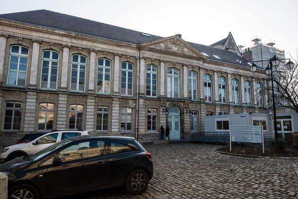 Le tribunal de Saint-Omer, où se déroulent les procès d'Assises.