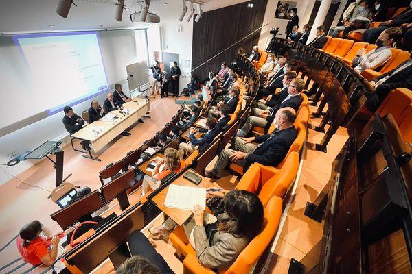 Présentation officielle de l'accord de libre-échange entre l'Union Européenne et le Vietnam jeudi 16 septembre à la Chambre de Commerce et d'Industrie de Saône-et-Loire (Mâcon).