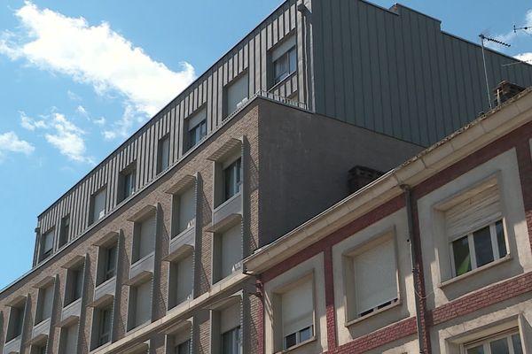 L'immeuble duquel l'étudiant a chuté du quatrième étage