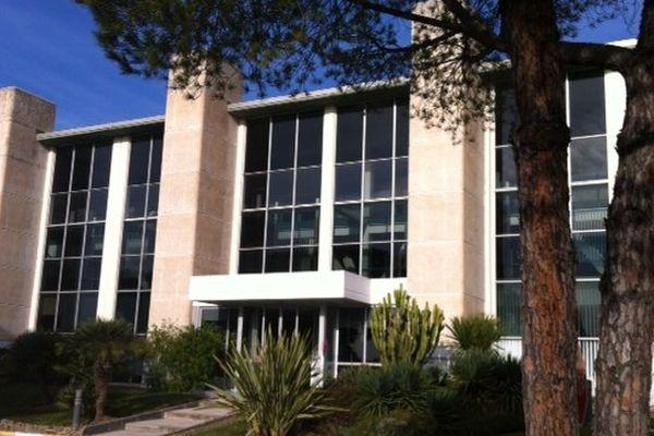 Amadeus, le premier employeur de Sophia Antipolis, pourrait déménager une partie de ses effectifs de la technopole sur l'ancien site de Texas Instruments à Villeneuve-Loubet.