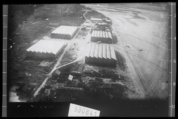 L'école de pilotage des frères Caudron au Crotoy en baie de Somme était installée sur la plage.