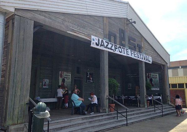 Le festival JazzPote rassemble chaque années des groupes locaux et internationaux pour cinq jours de festivités