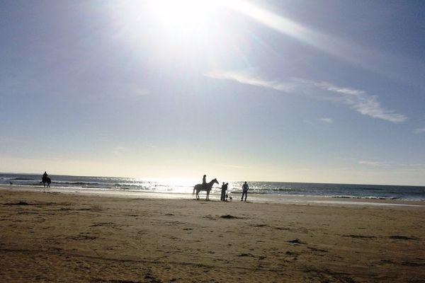 Soleil d'octobre sur la plage de Saint Brévin, en Loire-Atlantique