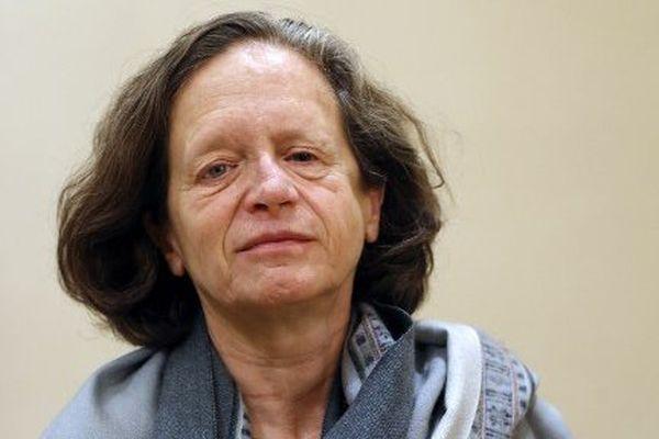 Pervenche Bérès siège au Parlement européen depuis 1994. De 2004 à 2009, elle y a présidé la Commission des affaires économiques et monétaires puis, depuis 2009, la Commission de l'emploi et des affaires sociales. Elle n'a aucun autre mandat politique.