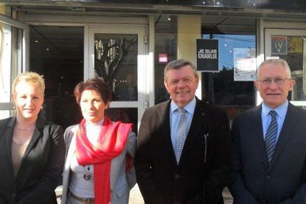 René Raimondi PS avec Nicolas Joulia au centre et leurs suppléants.