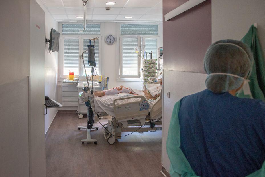 """Covid-19. """"Nous arrivons à saturation, on va devoir laisser des patients sur le carreau"""", regrette un infirmier à Rennes"""