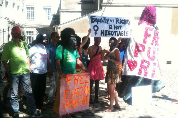 Le rassemblement pour les Pussy Riot à Nantes
