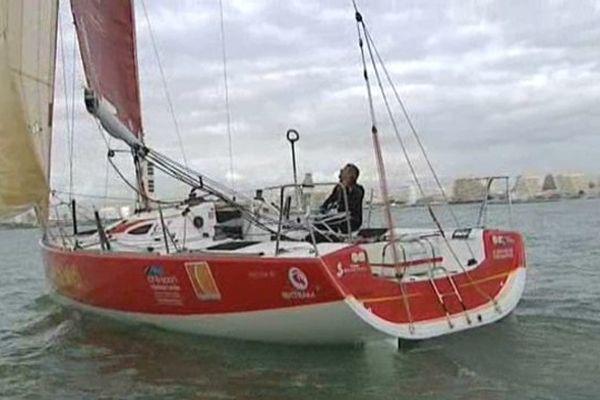 Le bateau de Xavier Macaire au large de la Grande-Motte