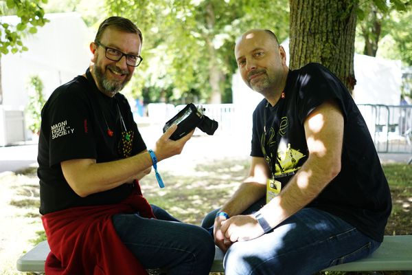 James Jouffroy (à gauche) et Florent Person (à droite) travaillent ensemble depuis 7 ans à RJR / Reims, le 16 juin 2018