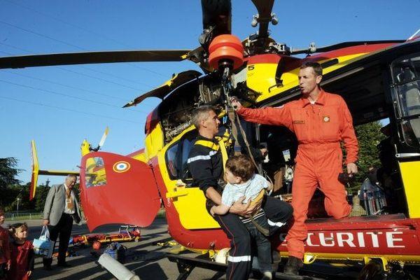 L'hélicoptère Dragon 17 de la sécurité civile est intervenu sur l'accident d'Ecoyeux.