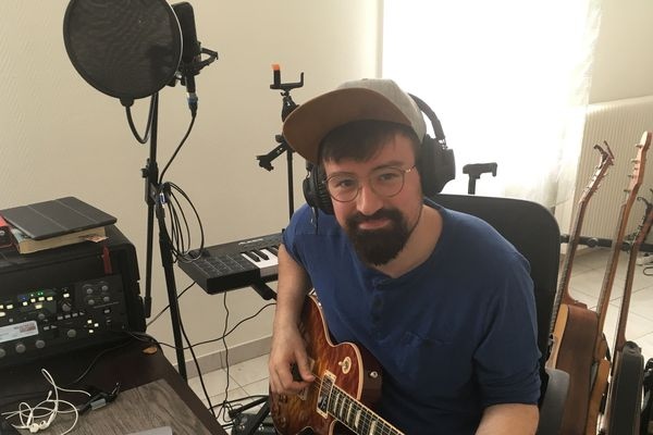 Quentin est le directeur artistique des Trombinoz'notes, il compose la musique