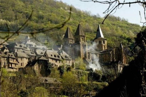 Le village de Conques emblématique des plus beaux villages de L'Aveyron
