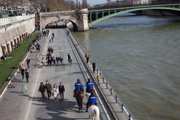 Les voies sur berge sur la rive droite de Paris.