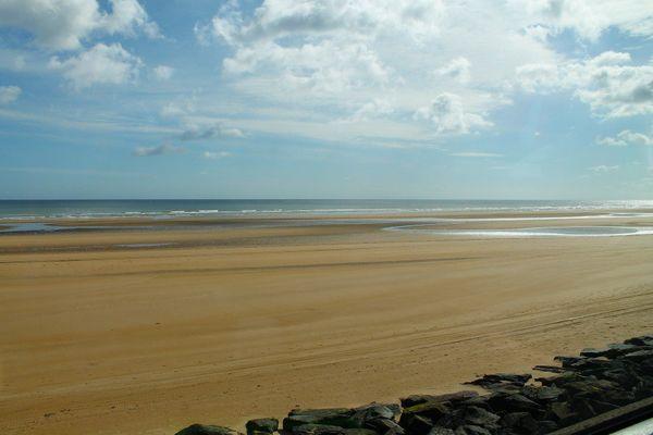 Dans le Calvados, sur la côte de Nacre, Juno Beach bénéficiera d'un ciel assez lumineux en ce dimanche après-midi.
