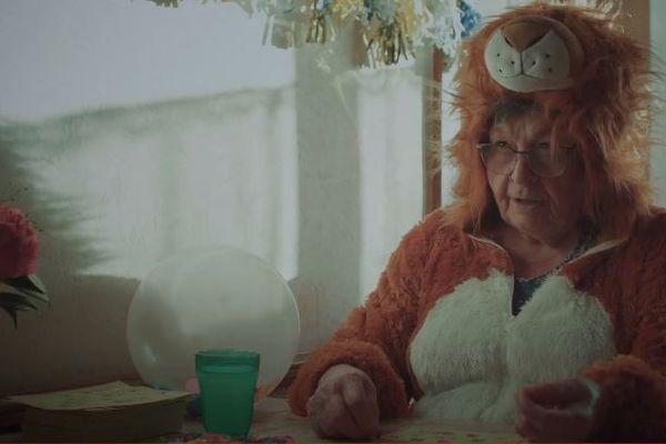 """La grand-mère de Quentin Ménard héroïne du court-métrage """"La vie c'est pas un jeu"""" récompensé au Nikon Film Festival 2021"""