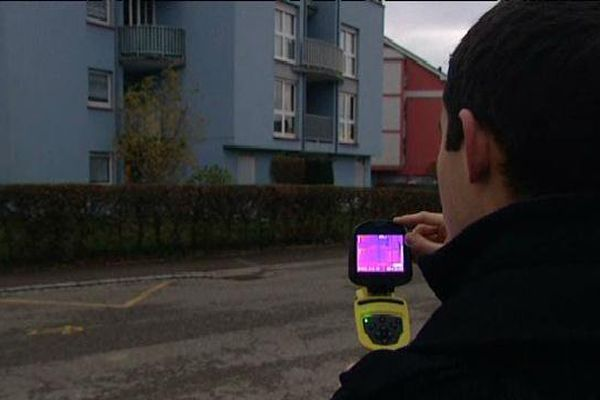 Le pertes de chaleurs d'un bâtiment de Brumath mesurées à l'aide d'une caméra thermique