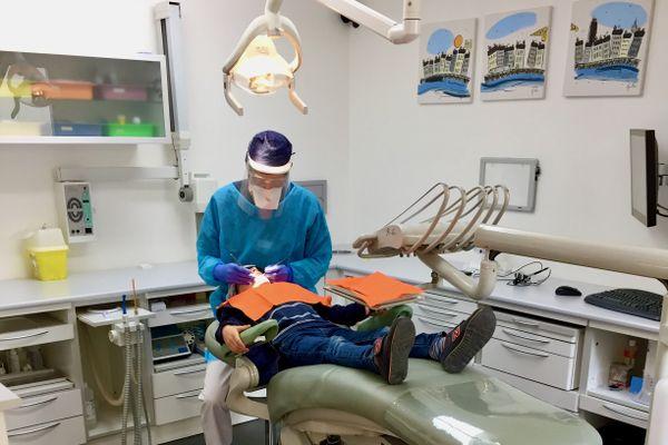 """La """"Sécu"""" demande aux dentistes de rembourser une partie des aides """"covid"""" perçues durant le premier confinement de 2020"""