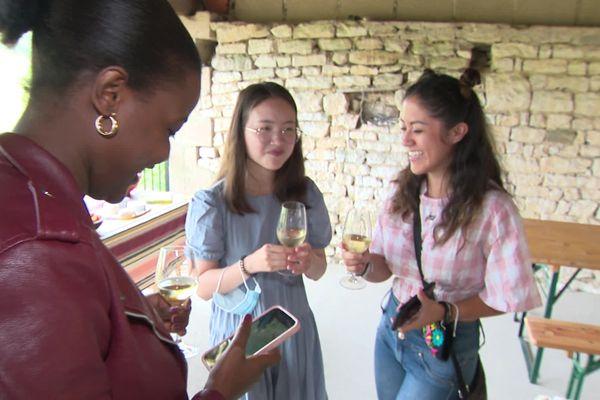 """Ce """"bol d'air"""" est aussi l'occasion de découvrir la spécialité de la région : le vin."""