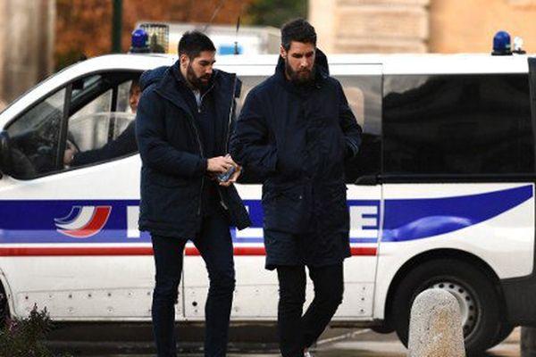 Les frères Karabatic arrivent au tribunal de Montpellier le 24 Novembre pour leur procès en appel des paris suspects