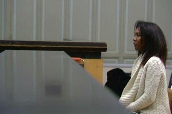 Perpignan - Diane Mistler dans la salle d'audience - 18 octobre 2012.