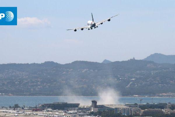 Apres 2 tentatives l'Airbus A380 se pose en crabe à Nice