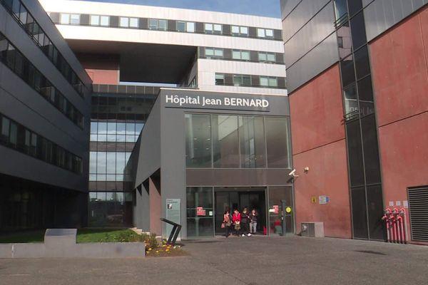 Valenciennes : un agent de sécurité de l'hôpital, contaminé au Covid-19 après le crachat d'un patient, dépose plainte