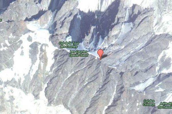 La cordée n'a jamais terminé sa traversée des Courtes, dans le massif du Mont-Blanc.