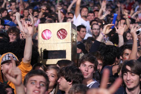 Des festivaliers au festival de musique Musilac à Aix-les-Bains (Savoie) le 15 juillet 2012.
