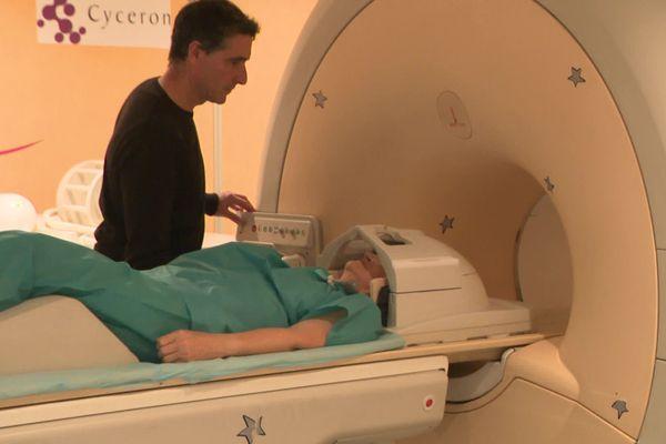 Examen IRM au laboratoire CYCERON de Caen