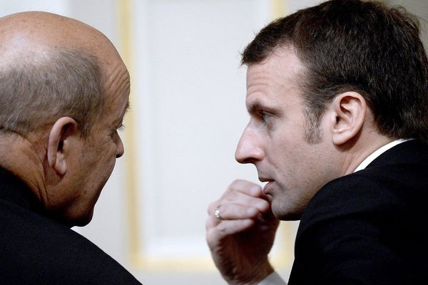 Jean-Yves Le Drian avec Emmanuel Macron à l'Elysée en avril 2015