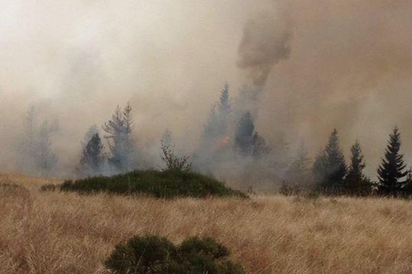 Un incendie en cours près de Dourbies, dans le aprc national des Cévennes - 29 août 2017