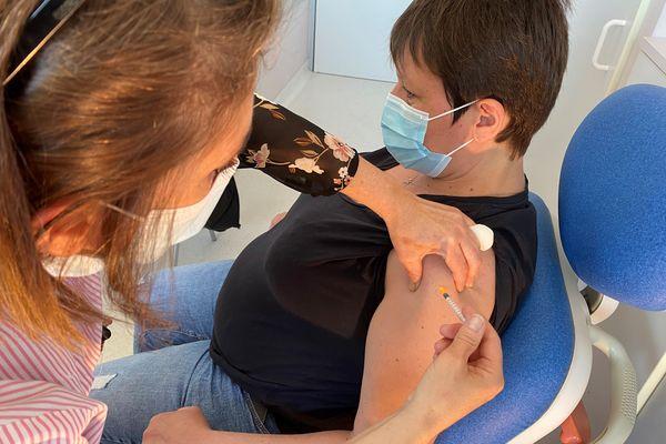 Les femmes enceintes font désormais partie des publics prioritaires pour la vaccination contre la covid-19