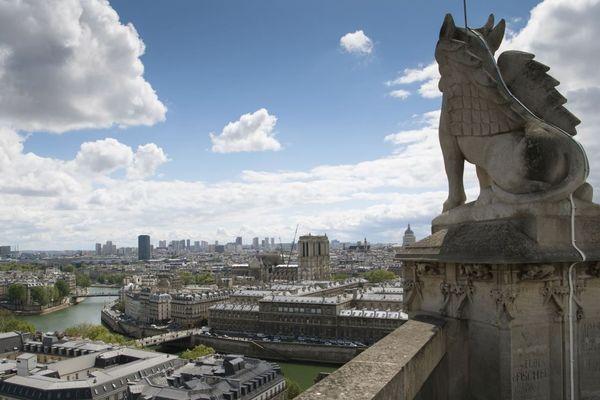 La capitale, vue depuis le sommet de la tour Saint-Jacques.