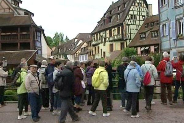 Des touristes à Colmar