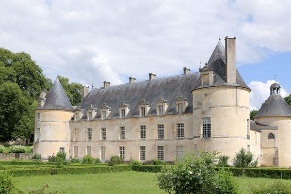 Le château de Bussy-Rabutin en Côte-d'Or fait partie des 18 monuments en péril que souhaite sauver Stéphane Bern